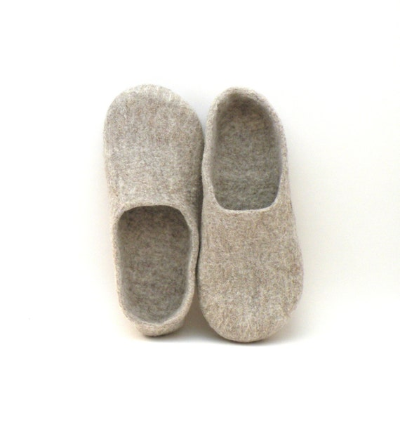 Felted slippers Neutral - natural beige wool clogs - made to order - cozy home shoes - eco friendly - Weddings gift - unisex slippers