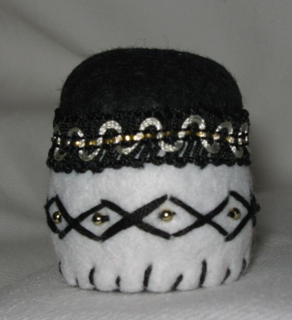 Recycled Bottle Cap Mini Pin Cushion made from Felt and decorated with braid and beads