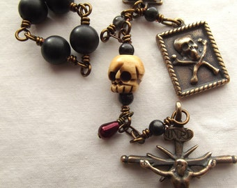 Memento Mori Pocket Rosary with Skull Bead & Blood Drop Bead Momento