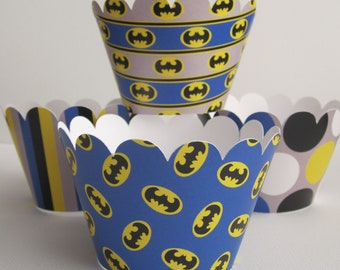 12 Batman Standard Cupcake Wrappers