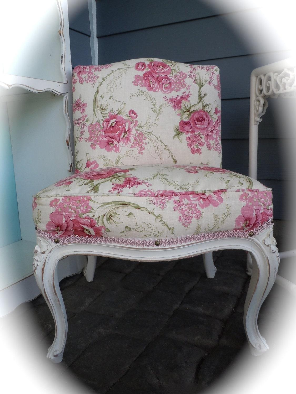 Shabby chic vintage upholstered slipper by lachicvintagecloset