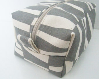 Makeup Bag - Cosmetic Bag - Pouch - Tolietry Bag
