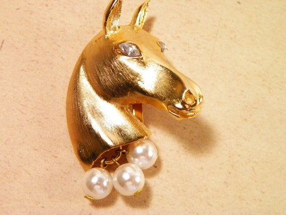 Gold Tone Horse Head  Brooch With Pearls And Rhinestone Eyes