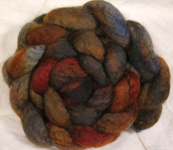 Hand dyed Bfl top for spinning  -Smoke Signals -  ( 5.15 oz.) ecru bfl