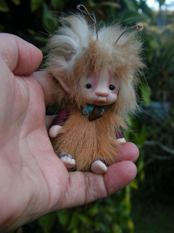 sweet  tiny fairy fairie bug posable ooak