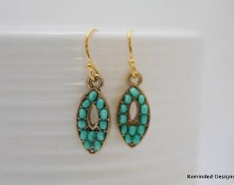 195- Turquoise beaded dangle earrings
