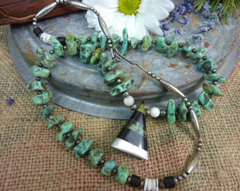 VINTAGE INDIAN PAWN  Santo Domingo Natural Green Turquoise Nugget  Pendant Necklace