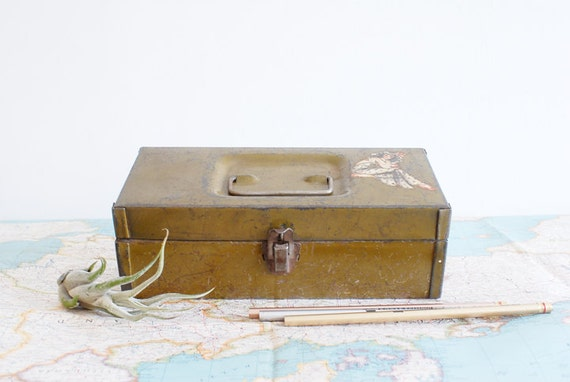 Vintage Pin-up Girl Olive Toolbox