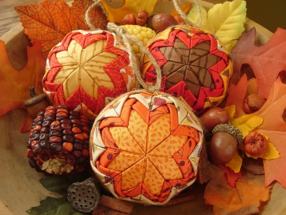 Autumn Leaves and Acorns Ornaments Thanksgiving Party Favors Place Setting Markers