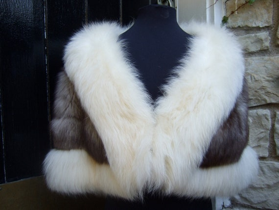 Reserved Luxurious Opulent Two Tone Fox Fur Stole c 1970