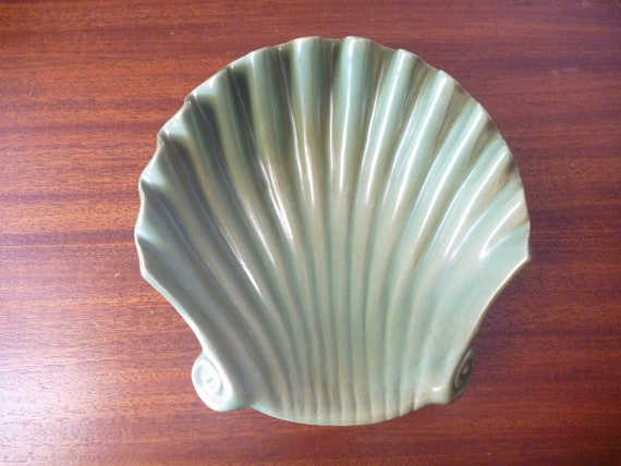 Vintage Red Wing Shell Dish - Green, M1567, collectible