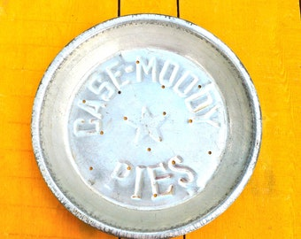 Pie Tin, Baking Kitchen, Bakers Gift, Houseware, Case Moody, Bakery Tin, Vignette Display, Farmhouse Rustic Primitive, Vintage Advertising