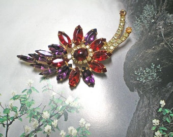 D&E aka Juliana Red and Purple Brooch   Item No: 15523
