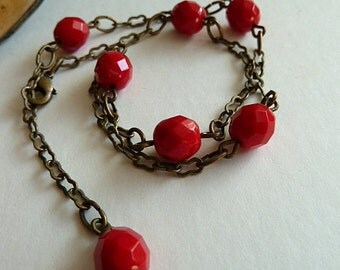 Anklet, Red Coral Glass and Antiqued Brass Anklet, Chain & Beaded Ankle Bracelet, Boho Style Beaded Anklet, Rustic Red Anklet