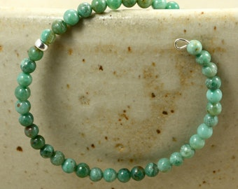 African Jade Memory Wire Bracelet with Silver, Green Bracelet, Beaded Bracelet, African Jade Bracelet
