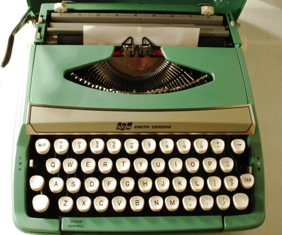 Vintage Smith-Corona Deluxe Typewriter in Carry Case Turquoise Color