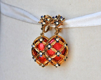 Vintage MYLU Red and Gold Holiday Clip On Earrings