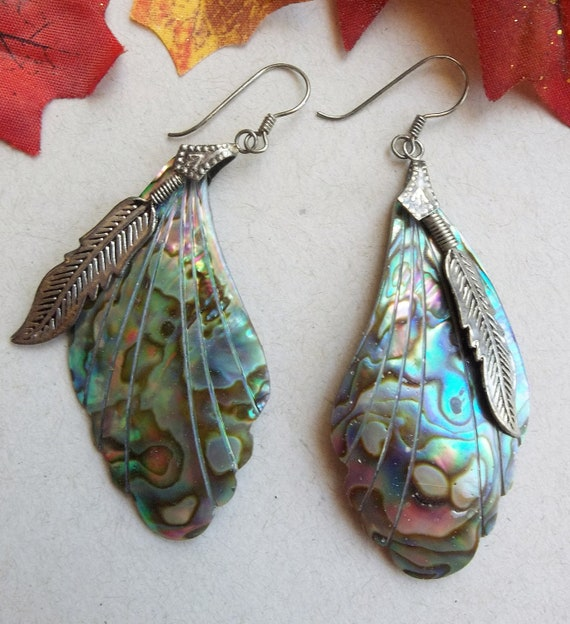 90s Vintage Naturally Colorful Abalone Shell and Feather Motif Pierced Earrings