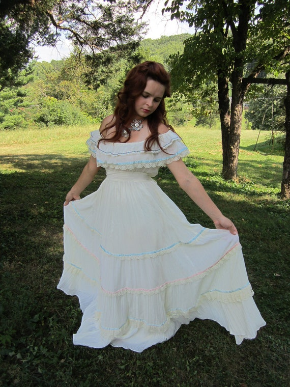 Vintage 1970's GUNNE SAX boho maxi wedding dress