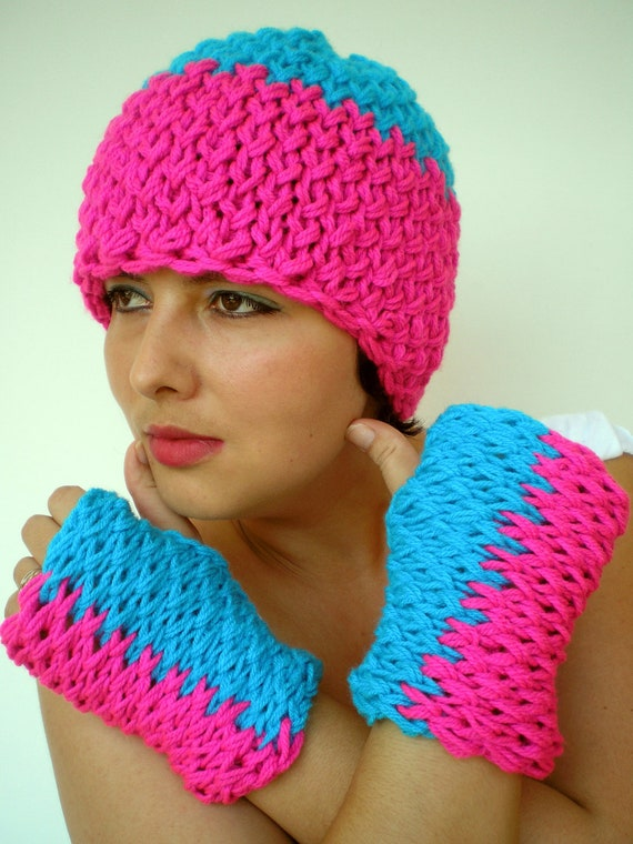 Magenta Pink and Turcoise  Double Spirit Knit Set Hat and Gloves Super soft Mixed  wool Woman Set Hat and Fingerles Mittens