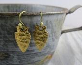 Raw brass arrowhead earrings, arrowhead earrings, southwestern jewelry, dangle earrings, gold earrings, boho bohemian