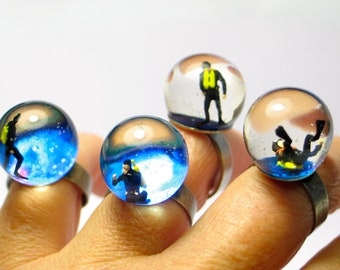 Diver in a tank. Resin ring. Resin jewelry. Modern jewelry. adjustable ring, snow globe ring, miniature, OOAK