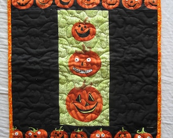 Halloween Quilted Table Mat