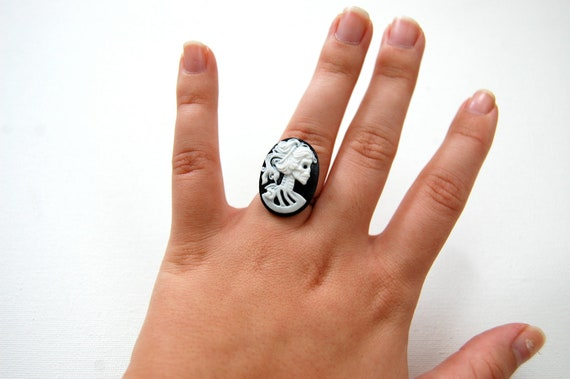 Victorian Skeleton Lady Cameo Ring - Adjustable