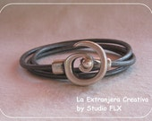 Wrapbracelet with spiral lock