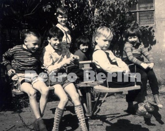 Vintage Photos 1950s, Children doing funny things, Photos of Children 1950s, Collector Photos