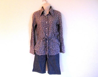 Black plaid with tiny pink flowers shirt - size large