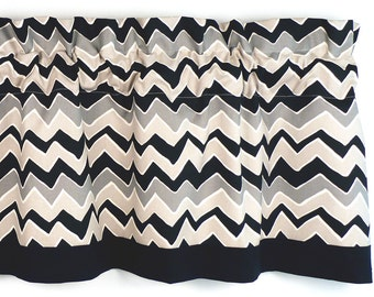 Kitchen Curtain Natural/Onyx Chevron Pattern/Zigzag Pattern (curtain rod not included)