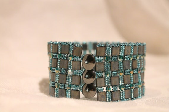 Graphite Gray and Turquoise Beaded Bracelet