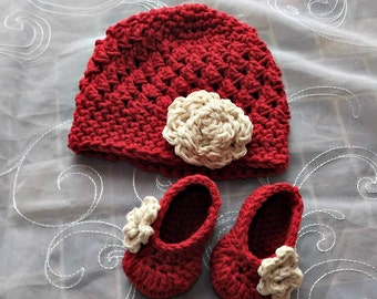 New Baby Gift, crochet baby hat and booties, antique ivory and apple red hat and booties with rose