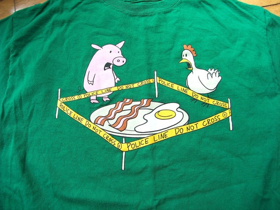 Funny Chicken Police: Vintage Funny Pig And Chicken Police Mens Adult Large Green