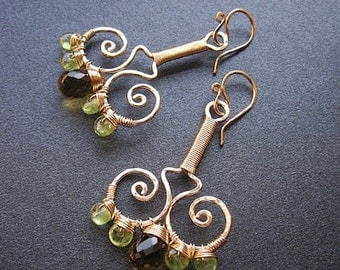 Hammered swirl earrings with peridot and whiskey quartz Nouveau 63