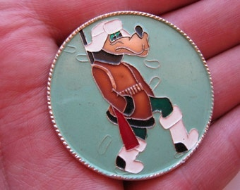 Big adorable vintage soviet  pin badge Wolf hunter