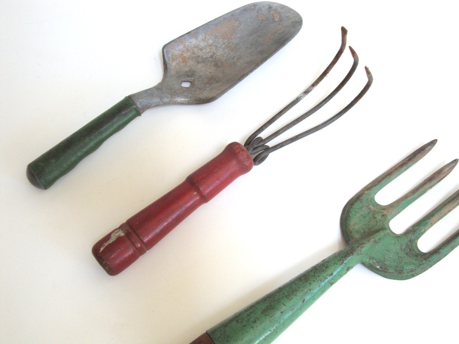 Vintage garden tools hand metal wood red green painted for Gardening tools vintage
