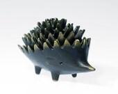 Complete set of 6 ORIGINAL brass hedgehog ashtrays by Walter Bosse