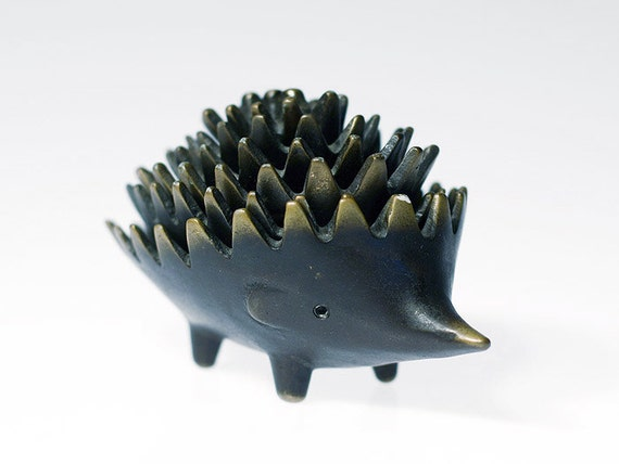 Complete set of 6 ORIGINAL brass hedgehog ashtrays by Walter Bosse