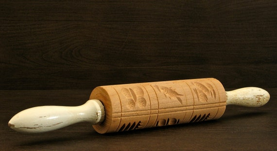 VINTAGE / ANTIQUE Springerle Carved Wooden Rolling Pin