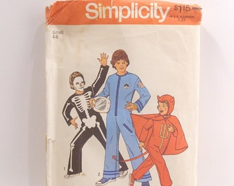 Simplicity 6696 Skeleton Astronaut and Devil Pattern Size Small 4 to 6