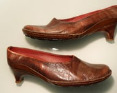 90s vintage clog style purposely distressed finish Grunge Boho BOLO hand made & dyed in Italy burgundy red leather shoes: Eur 41-42/US 10 B