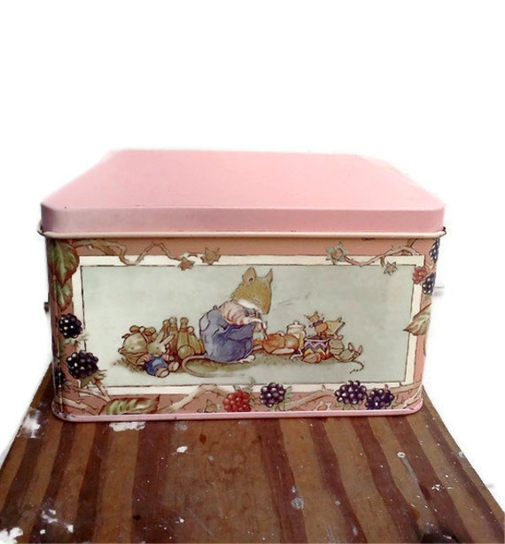 Vintage Tin Box Pink Daher collectible, Cottage Chic, Nursery Decor