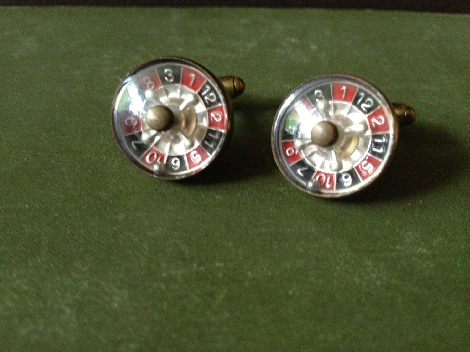 vintage austrian roulette wheel mechanical cufflinks. Black Bedroom Furniture Sets. Home Design Ideas
