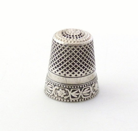 Vintage Sterling Silver Thimble - Silver Sewing Accessory with Flower Design
