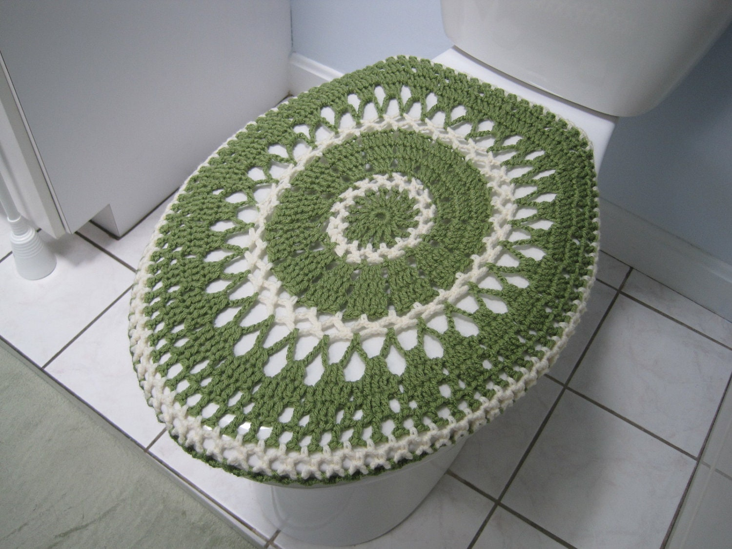 Crochet toilet seat cover or crochet toilet tank lid cover - Crochet chair cover pattern ...