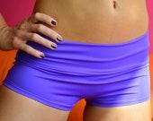 Shorts in violet for Bikram yoga