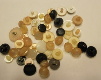 50 piece vintage shank button mix (14)