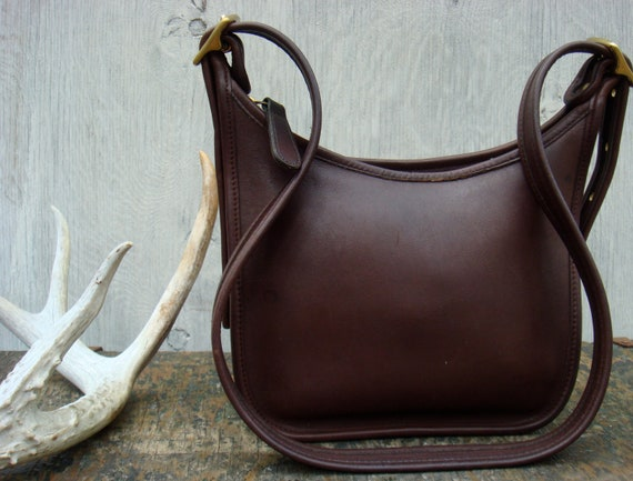 COACH leather purse in chocolate brown AUTHENTIC